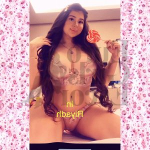 Fleurida live escort in Petaluma California