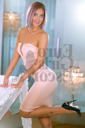 Anne-chantal escort girls