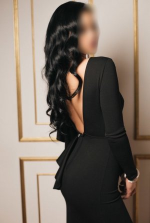 Sylviana live escort in College Park