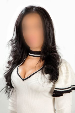 Ghada escort girl